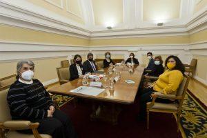 Mesa de trabajo en el ministerio de inclusión por los derechos de las mujeres inmigrantes